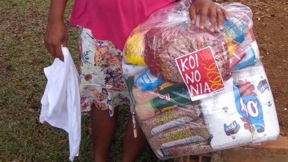 Articulação de Mulheres do Baixo Sul e Koinonia seguem com entrega de cestas de alimentos